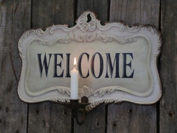 "Chic Antique ""Welcome"" Lysestake"